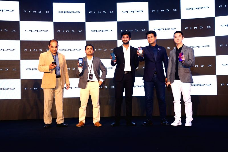"Chinese smartphone maker OPPO on Thursday launched its flagship smartphone ""Find X"" in India for Rs 59,990."