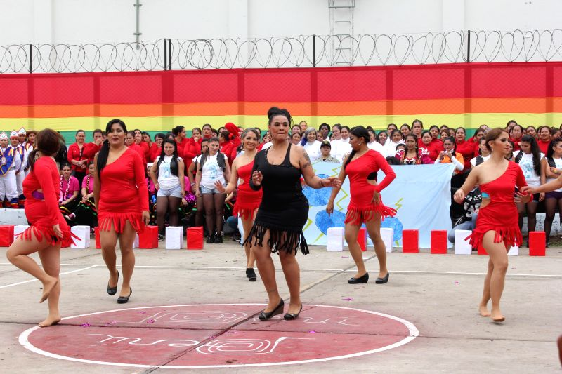 """Inmates take part in the second folkloric dance contest """"DanzArte 2014"""", in the Chorrillos district, in the department of Lima, Peru, on July 25, 2014."""