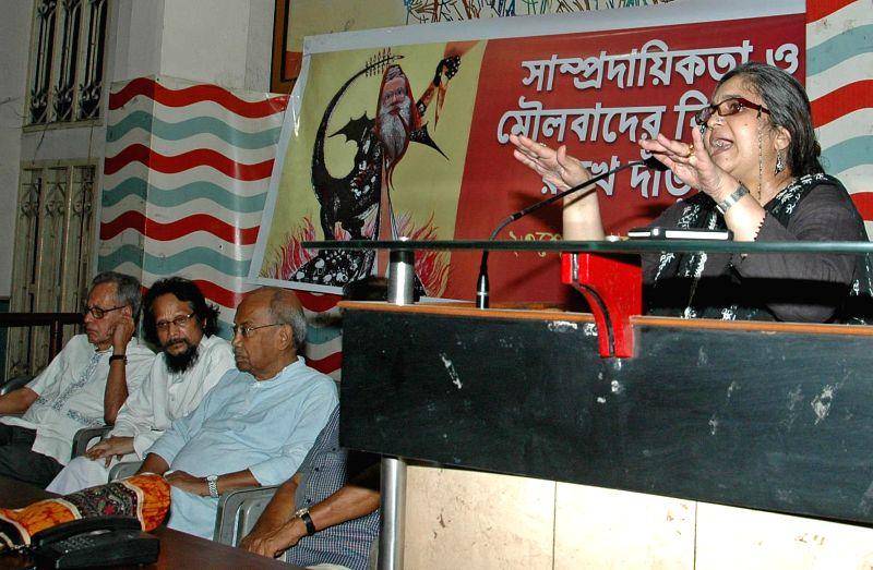 Civil rights activist Teesta Setalvad delivering her speech on communalism in Kolkata on Aug 23, 2014.