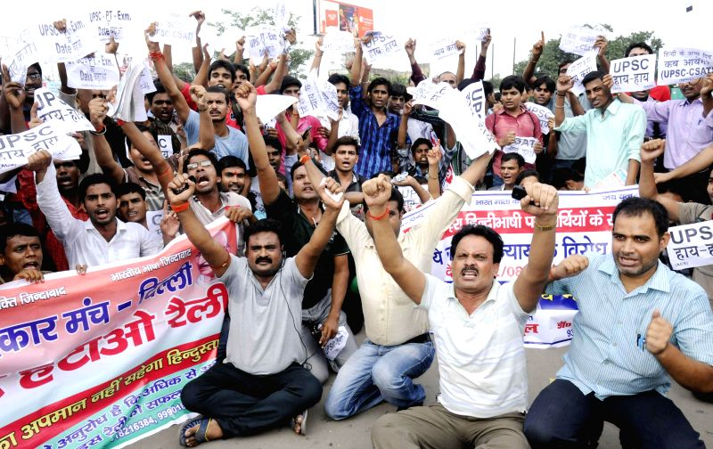 Civil service aspirants demonstrate against Civil Services Aptitude Test (CSAT) in Patna on Aug 12, 2014.