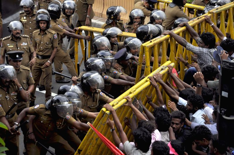 Students clash with police in Colombo, Sri Lanka, March 31, 2015. The Sri Lankan police on Wednesday launched an investigation into the violent clashes which ...