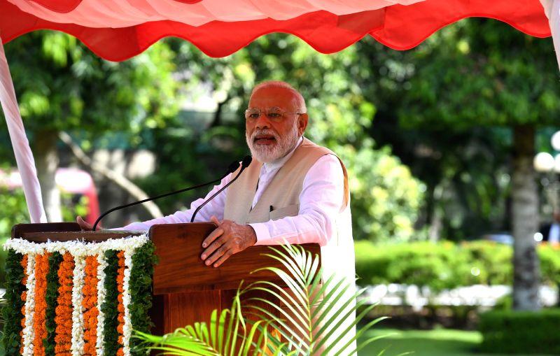 Colombo: Prime Minister Narendra Modi addresses the Indian Community in Colombo, Sri Lanka on June 9, 2019. (Photo: IANS/PIB)