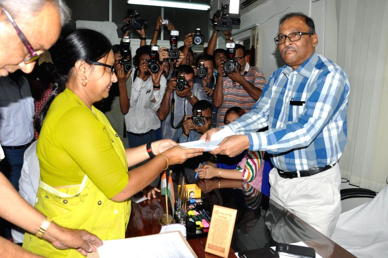 Communist Party of India-Marxist (CPI-M) candidate for 2014 Lok Sabha Election from North Kolkata parliamentary constituency Rupa Bagchi files her nomination papers in Kolkata on April 22, 2014.