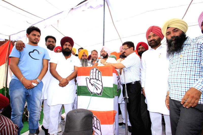 Congress candidate for 2014 Lok Sabha Election from Amritsar, Captain Amarinder Singh during an election campaign in Amritsar on April 23, 2014.