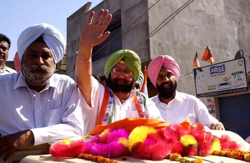 Congress candidate for 2014 Lok Sabha Election from Amritsar, Captain Amarinder Singh during an election campaign in Ajnala near Amritsar on April 24, 2014.