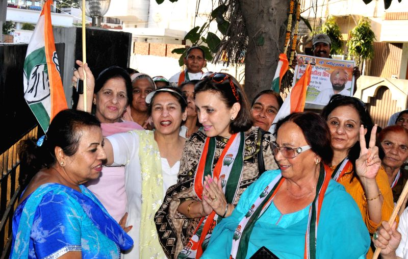 Congress candidate for upcoming 2014 Lok Sabha Election from Amritsar Captain Amarinder Singh's daughter in-law Rani Gurpreet Kaur and Congress leader Satinder Kaur Gujral campaign for him in ... - Gurpreet Kaur and Satinder Kaur Gujral