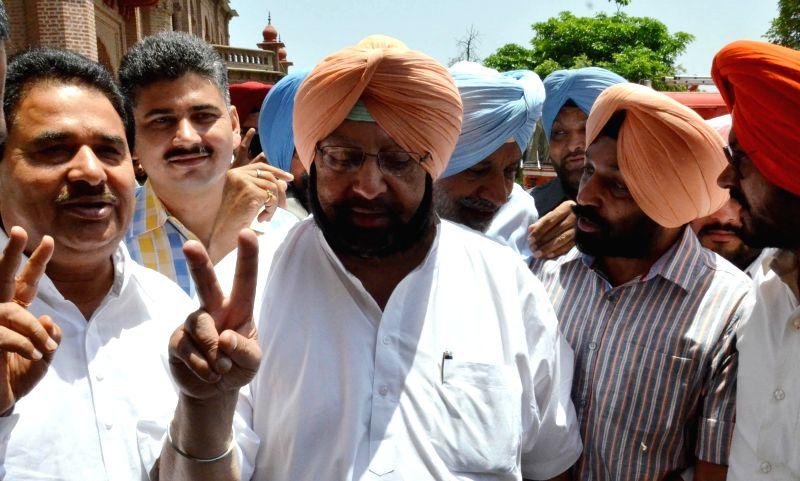 Congress leader Captain Amarinder Singh after winning Amritsar Lok Sabha Seat in Amritsar on May 16, 2014.