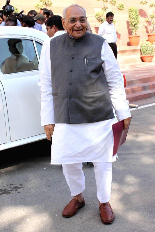 Congress leader Motilal Vohra at the Parliament premises in New Delhi, on Dec 1, 2014.