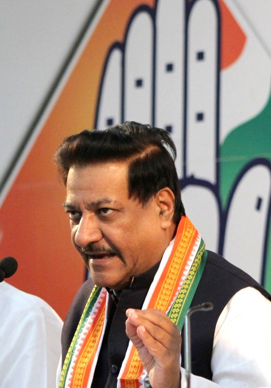 Congress leader Prithviraj Chavan addresses a press conference in Bengaluru on May 26, 2016.