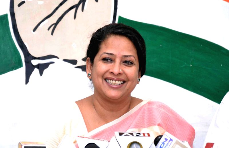 Congress leader Sharmistha Mukherjee addresses during a press conference in Kolkata on May 28, 2016. - Sharmistha Mukherjee