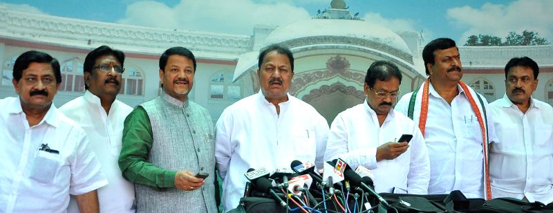 Congress leaders D. Srinivas, P Sudhakar Reddy and others during a press conference in Hyderabad on July 2, 2014. - P Sudhakar Reddy