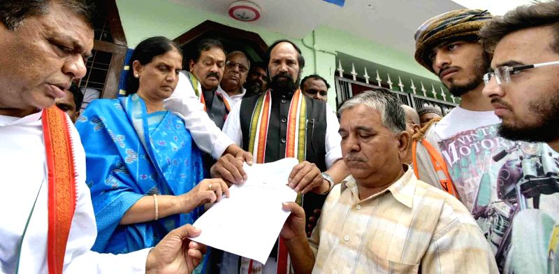 Congress leaders N. Uttam Kumar Reddy and Mohammed Ali Shabbir meet the family members of Mohammad Azam, a software engineer who was beaten to death by a mob in Karnataka's Bidar district ...