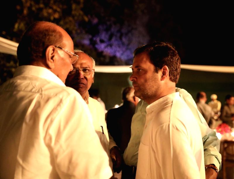 Congress leaders Rahul Gandhi, Mallikarjun Kharge and NCP chief Sharad Pawar during a dinner hosted by UPA Chairperson Sonia Gandhi at her residence in New Delhi on March 13, 2018. - Rahul Gandhi and Sonia Gandhi