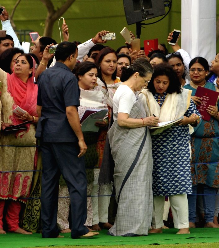 Congress President Sonia Gandhi with Mahila Congress President Shobha Oza during a programme organised on the death anniversary of former prime minister Rajiv Gandhi at Vir Bhoomi in New ... - Rajiv Gandhi and Sonia Gandhi