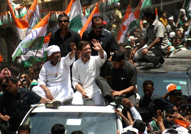 Congress vice president Rahul Gandhi campaigning with party candidate Ajay Rai in Varanasi on May 10, 2014.
