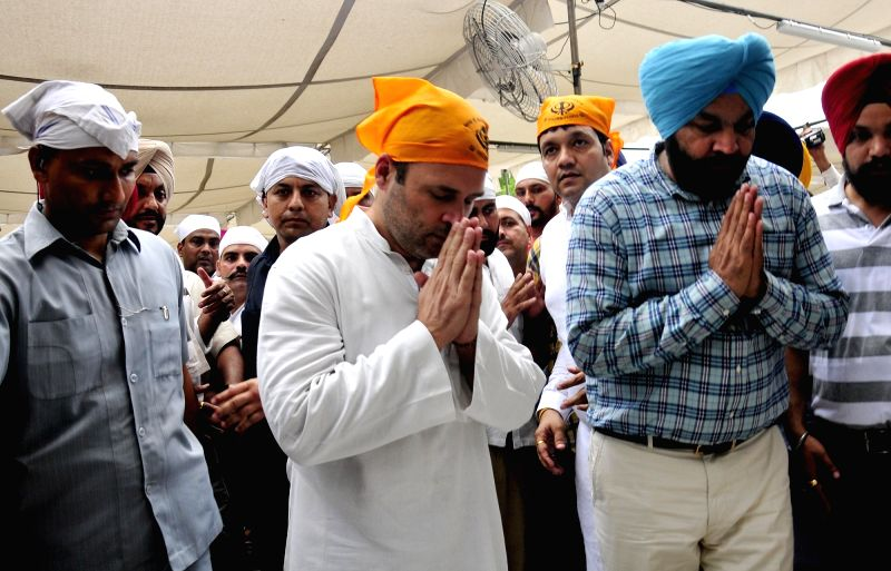 Congress Vice President Rahul Gandhi pays obeisance at Golden Temple in Amritsar, on June 10, 2017. - Rahul Gandhi