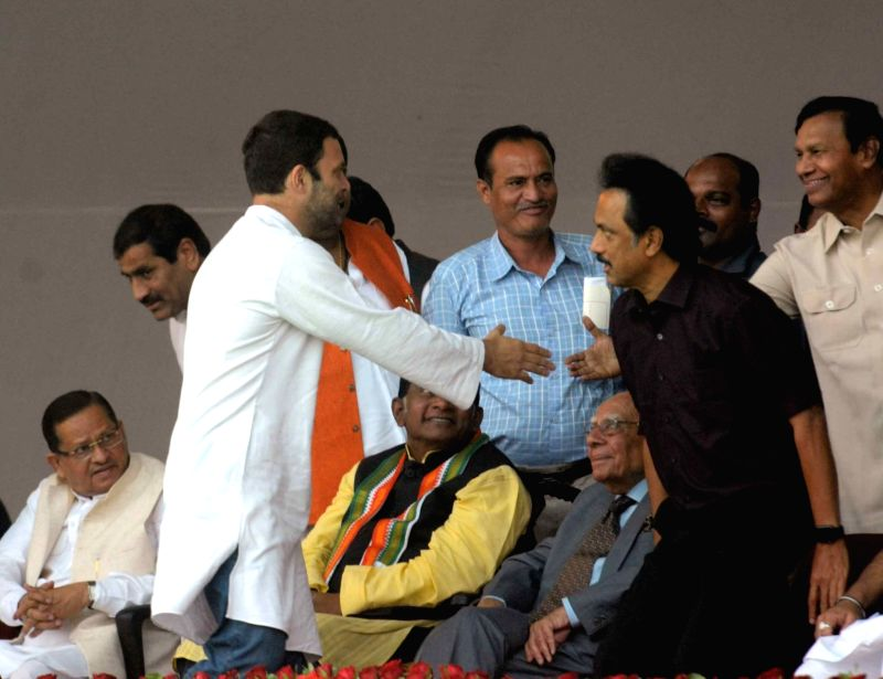 Congress vice president Rahul Gandhi with DMK treasurer and senior leader MK Stalin during the swearing-in ceremony of the new JD-U-RJD-Congress coalition government in Patna, on Nov 20, 2015. - Rahul Gandhi