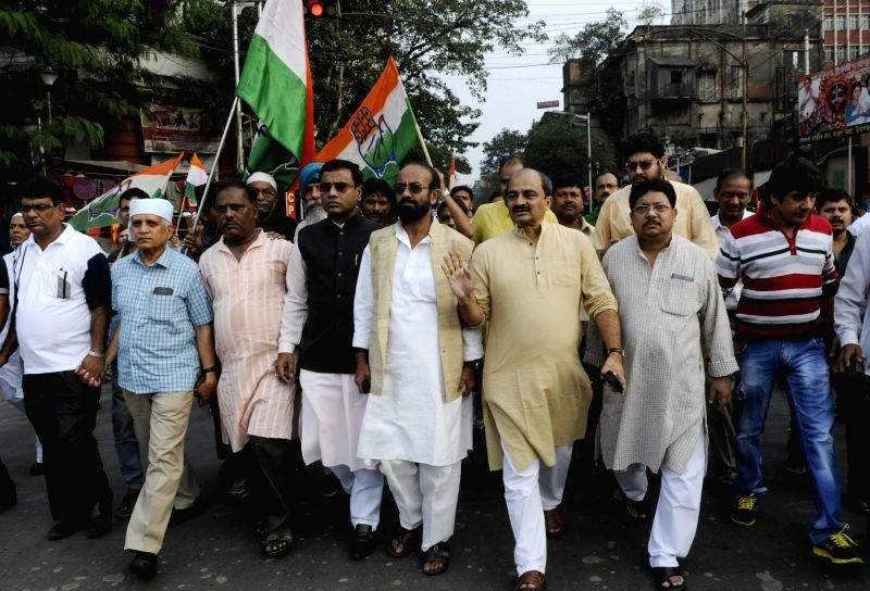 Congress workers stage a demonstration on Sanghati Diwas - organised on the anniversary of Babri Masjid Demolition in Kolkata, on Dec 6, 2015.