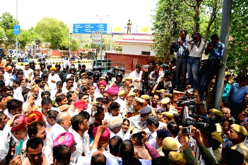 Congress workers stage a demonstration to press for farmers rights in Ajmer on June 14, 2017.