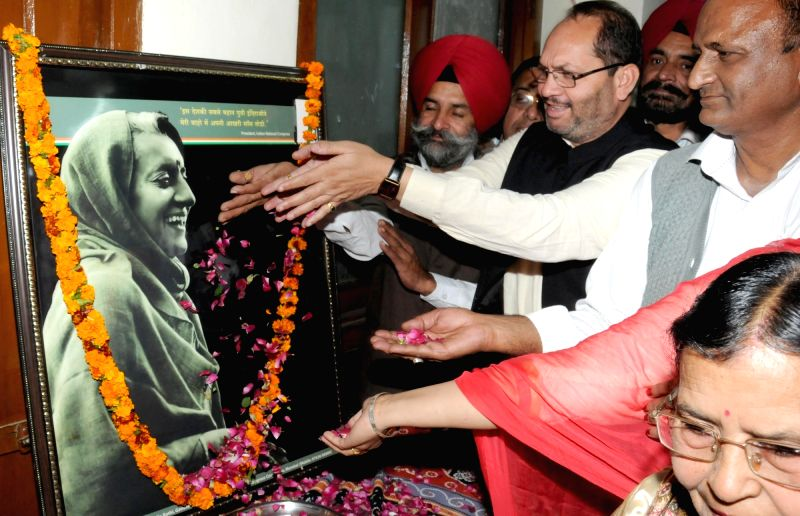 Congressmen pay tribute to former Prime Minister Indira Gandhi, on her 98th Birth Anniversary in Amritsar, on Nov 19, 2015.
