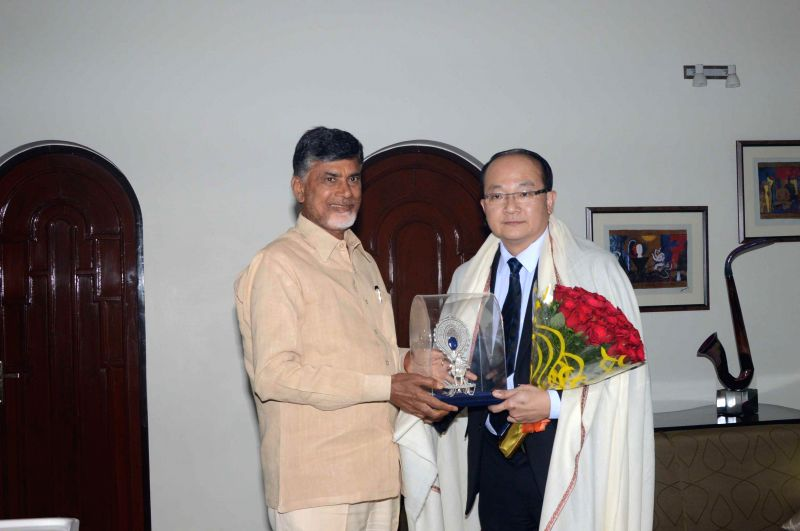 Consulate-General, Singapore Consulate Roy Kho meets Chief Minister of Andhra Pradesh N. Chandrababu Naidu with concerned Higher officials at his residence in Hyderabad on June 17, 2014. - Consulate Roy Kho