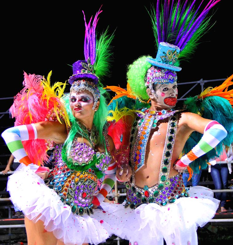 "Dancers perform in the ""Carnaval de Corrientes 2015"" in Corrientes, Argentina, on Jan. 25, 2015. (Xinhua/TELAM)"