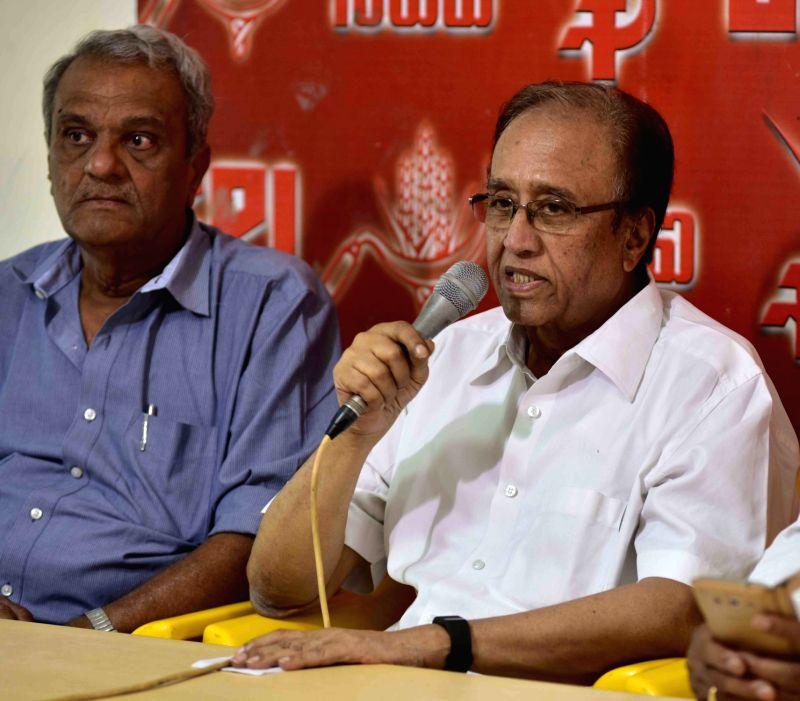 CPI leader Suravaram Sudhakar Reddy and K Narayana during a press conference in Hyderabad, on May 16, 2016. - Suravaram Sudhakar Reddy