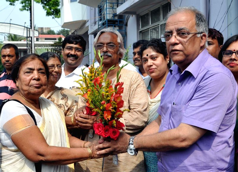 CPI(M) leader Ramala Chakraborty with Congress-Left alliance candidates from Bidhannagar and New Town-Rajarhat constituencies Arunava Ghosh (Congress) and Naren Chatterjee (CPI-M) ... - Ramala Chakraborty, Arunava Ghosh and Naren Chatterjee
