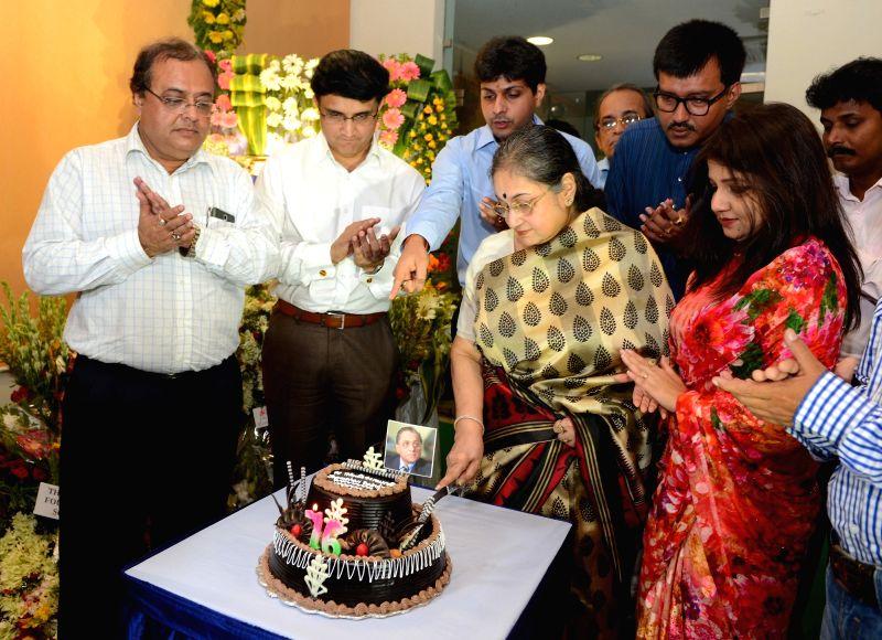 Cricket Association of Bengal president Sourav Ganguly along with the family members of Jagmohan Dalmiya celebrate Dalmiya's birth anniversary in Kolkata, on May 30, 2016. - Sourav Ganguly