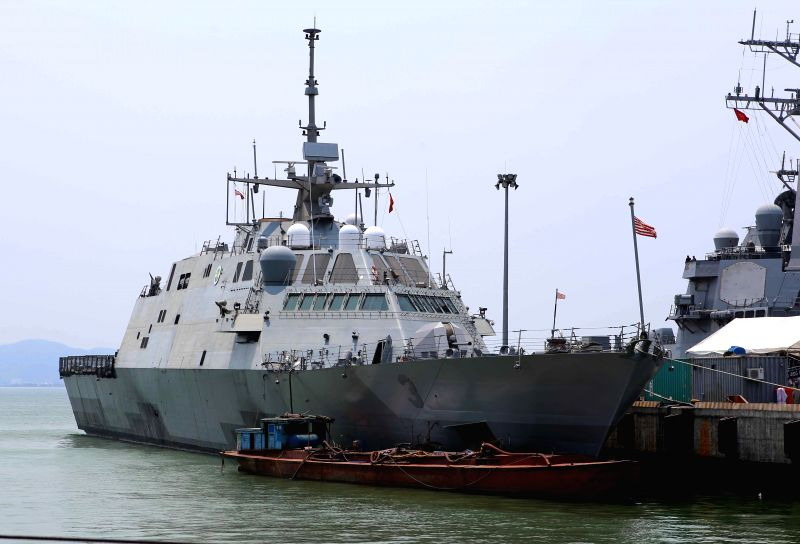 Photo taken on April 6, 2015 shows U.S. coastal combat ship USS Fort Worth docking at Tien Sa port in Da Nang, Vietnam. U.S. destroyer USS Fitzgerald and coastal ...
