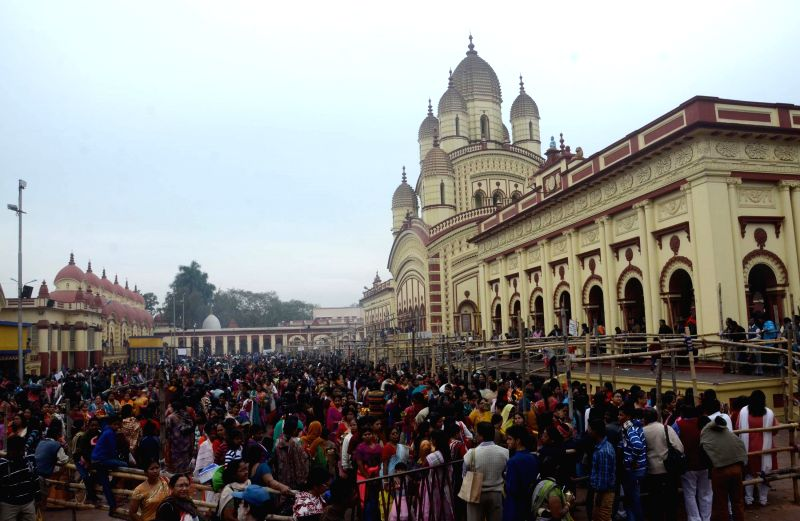 Devotees throng the Dakshineswar Kali Temple on Kalptaru Utsav, in Dakshineswar, near Kolkata on Jan 1, 2015.