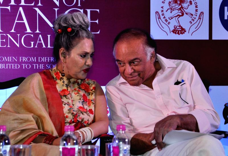 Danseuse Alokananda Roy and veteran actor Barun Chanda during curtain raiser of Women of Substance of Bengal in Kolkata, on April 11, 2017. - Barun Chanda and Alokananda Roy