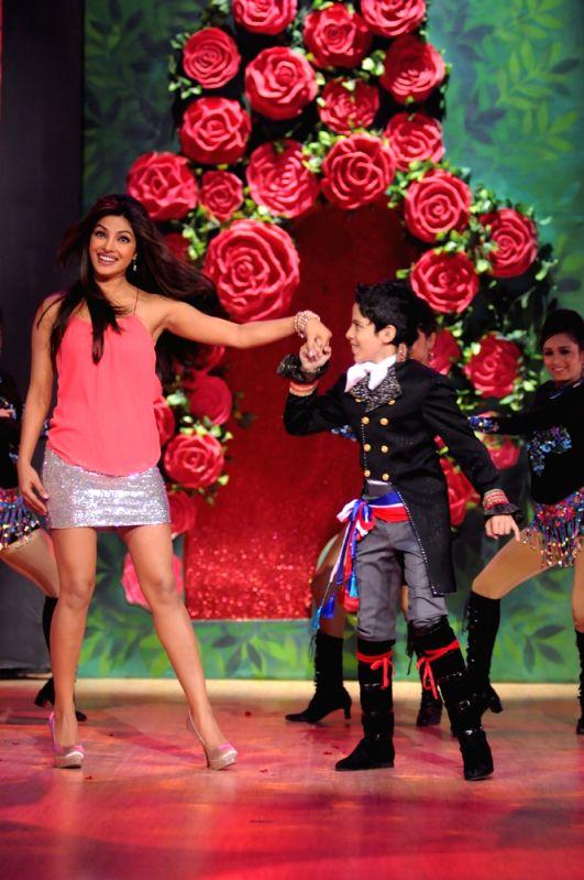 Darsheel Safary woos Priyanka Chopra. - Priyanka Chopra