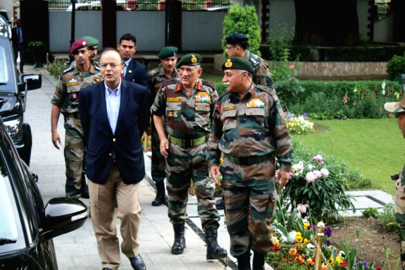 Defence Minister Arun Jaitley, Army chief review security in J&K - Arun Jaitley