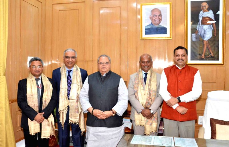 Delegation from External Affairs Ministry calls on Bihar Governor Satya Pal Malik, in Patna on July 17, 20128. - Malik