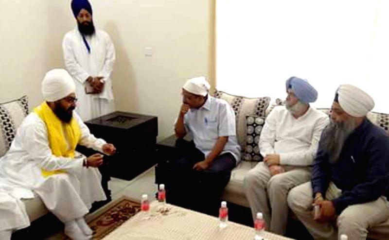 Delhi Chief Minister and AAP leader Arvind Kejriwal meets Sant Ranjit Singh Dhadrianwale at  Shekhupura village in Patiala of Punjab on May 25, 2016. - Arvind Kejriwal