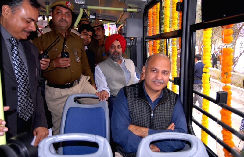 Sisodia flags off 100 new GPS enabled buses - Manish Sisodia