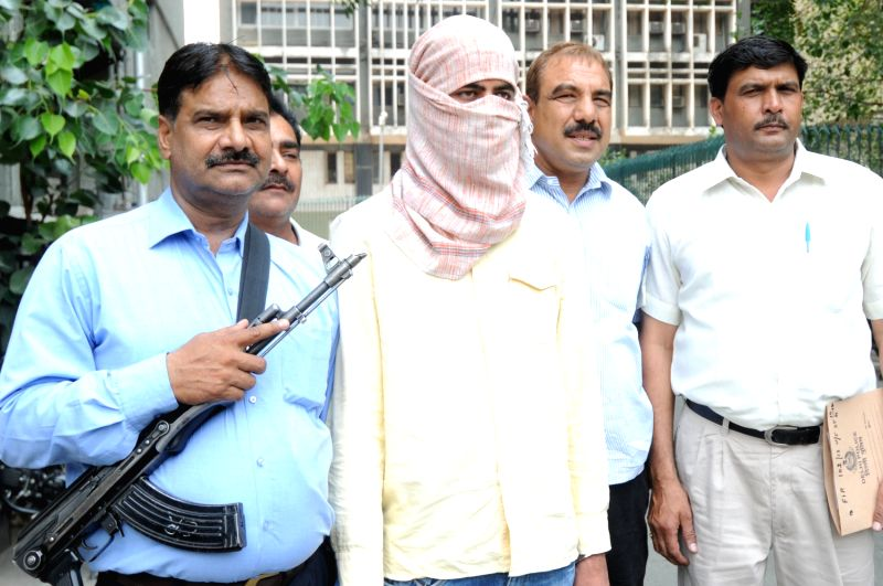 crime in the city delhi Now, this punch line has hit delhi police hard as victims of crimes in noida find filing of firs in the uttar pradesh city difficult owing to arbitrary rules and so they unload their cases on cops in the capital.