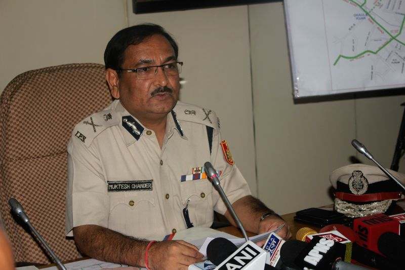Delhi Police Special Commissioner (Traffic) Muktesh Chander addresses a press conference in New Delhi, on Oct 27, 2015.