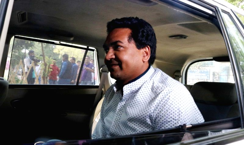 Delhi Water Minister Kapil Mishra arrives at Delhi Chief Minister Arvind Kejriwal's residence during a MLAs meeting, in New Delhi on May 6, 2017. - Kapil Mishra and Arvind Kejriwal
