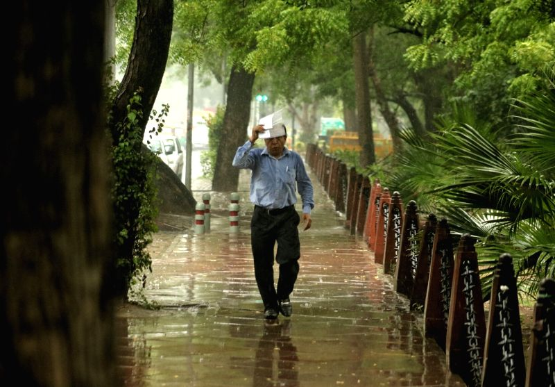 Delhi witnesses pre-monsoon showers on May 31, 2017.