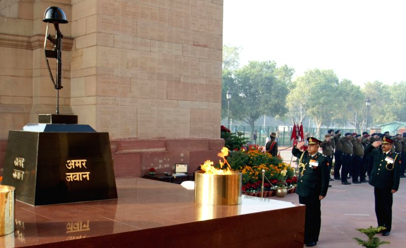 Dental Services Director General and Colonel Commandant, Lt. General T.K. Bandyopadhyay pays homage at Amar Jawan Jyoti, India Gate, on the occasion of the 77th anniversary of the Army ...