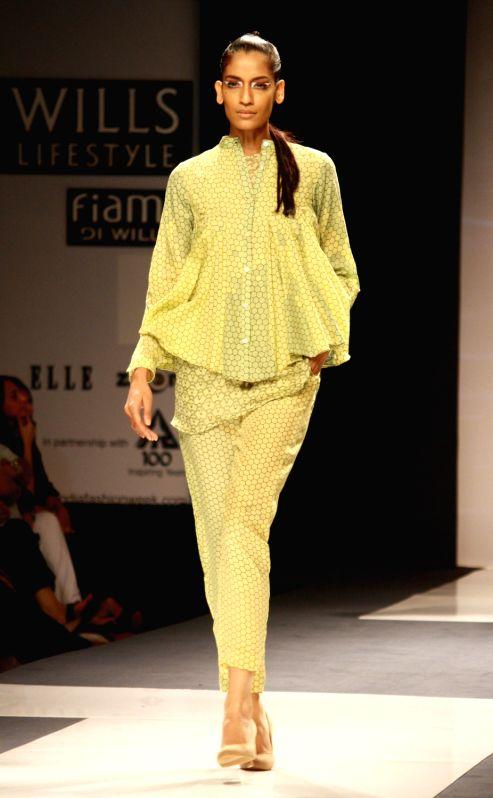 Wills lifestyle india fashion week 2013 Wills lifestyle fashion week