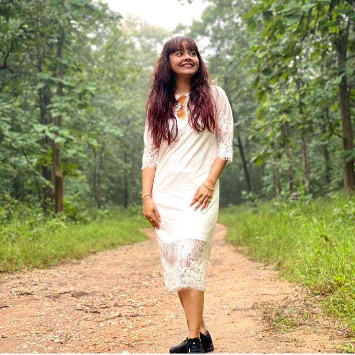 Devoleena recalls her tea garden childhood days at 'Bigg Boss 15' opening.