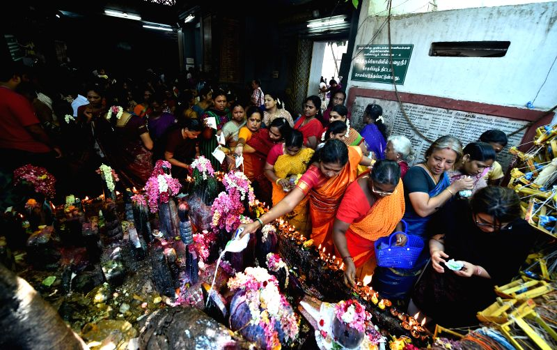 Devotees throng famous Arulmigu Mundagakanniammman Temple in Alwarpet of Chennai on July 18, 2014.