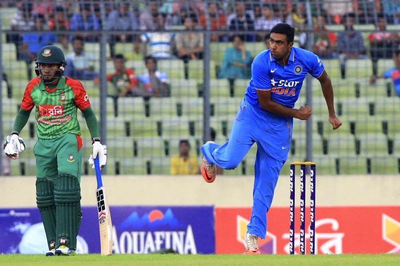 Dhaka (Bangladesh): Indian bowler Ravichandran Ashwin in action during the 1st ODI match between India and Bangladesh at Shere Bangla National Stadium in Mirpur, Dhaka, Bangladesh on June 18, 2015. - Ravichandran Ashwin