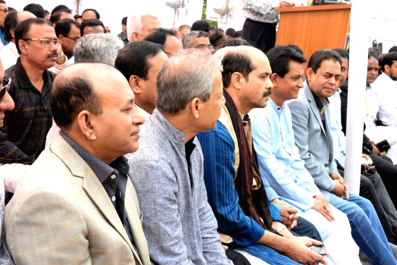 Bangladeshi businessmen and garment manufacturers take part in a hunger strike against the ongoing blockade called by the Bangladesh Nationalist Party (BNP)-led ...