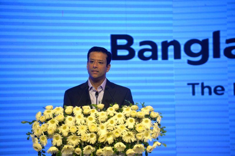 DHAKA, July 25, 2018 - Bangladeshi Prime Minister's ICT Affairs Adviser Sajeeb Wazed Joy delivers a speech at the Bangladesh 5G Summit 2018 in Dhaka, Bangladesh, on July 25, 2018. Chinese ...
