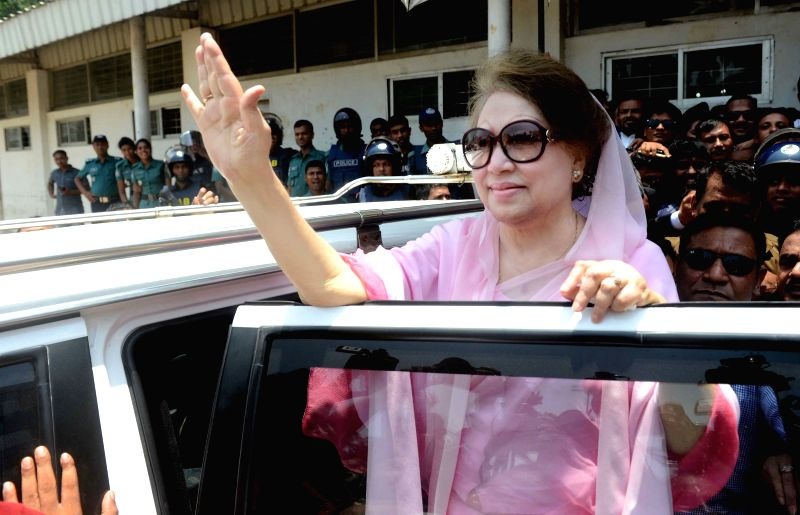 DHAKA, June 2, 2016 - Bangladesh's former Prime Minister and Bangladesh Nationalist Party Chairperson Khaleda Zia (front) waves after arriving at a court hearing of two graft cases in Dhaka, ...