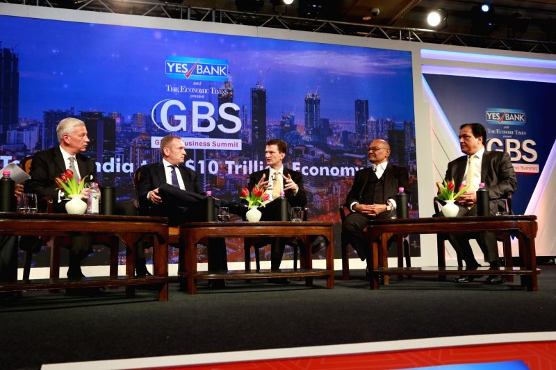 Dignitaries at the 4th Global Business Summit in New Delhi on Feb 23, 2018.